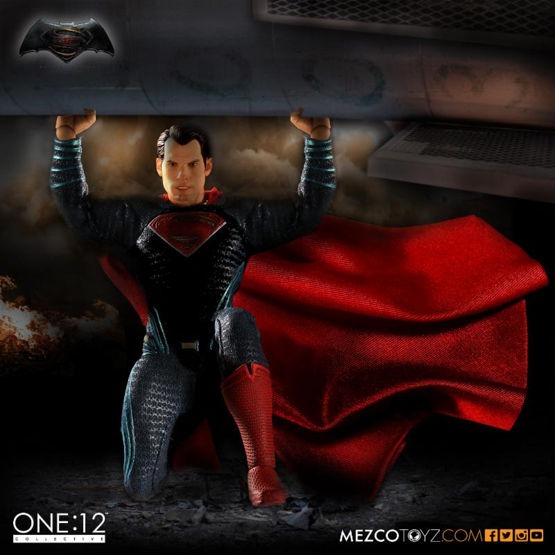 Mezco-superman-1
