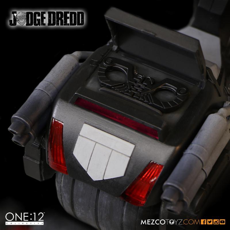 judge_dredd_mezco_3
