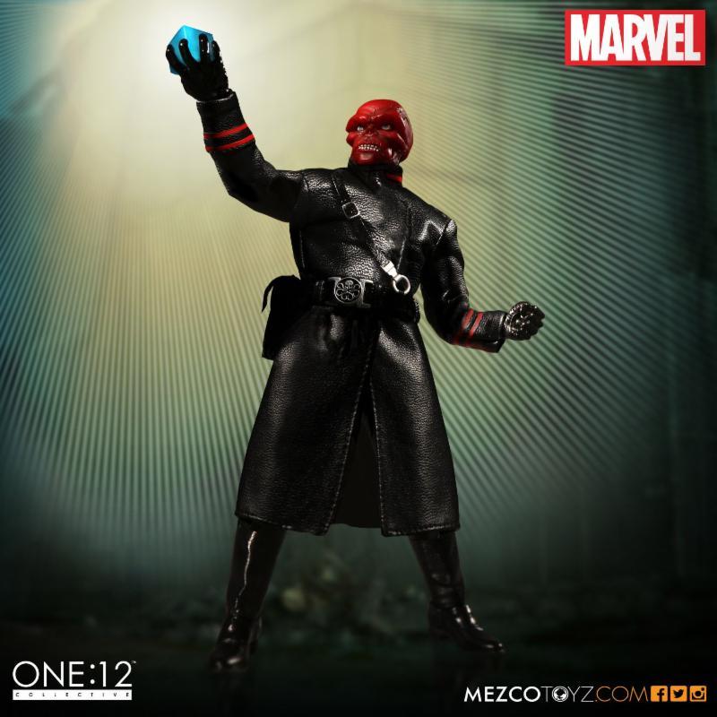 red_skull_mezco_2