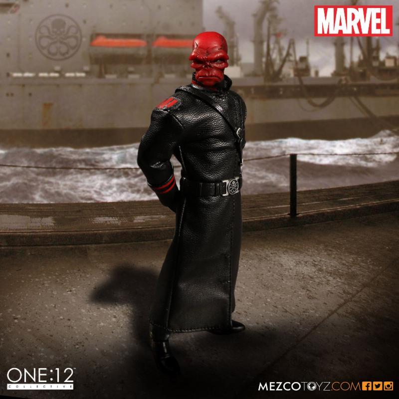 red_skull_mezco_3